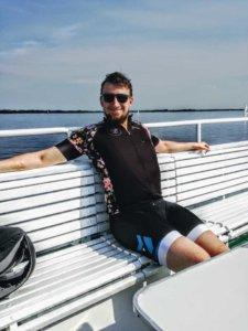 Z rowerem na Mazury kolarz na promie