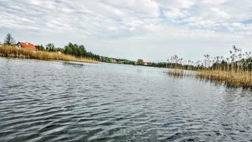 Z rowerem na Mazury jezioro z kajaku