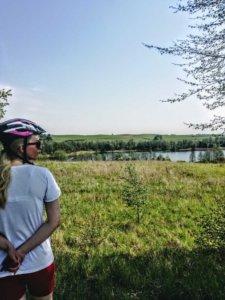 Z rowerem na Mazury spoglądając na jeziorko