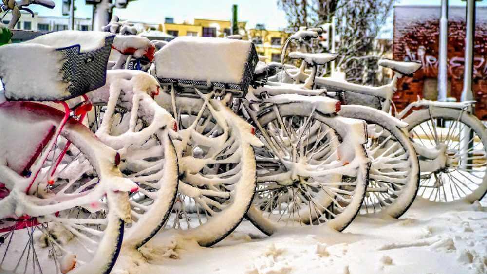 Alternatywa dla roweru zimą zasypane rowery