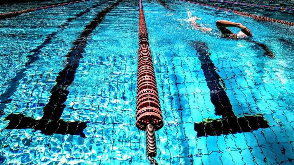 Alternatywa dla roweru zimą basen pływacki