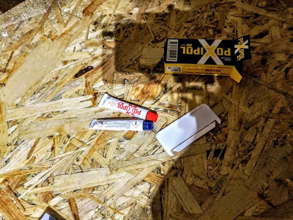 montaż bambusowych tyczek klejenie 3