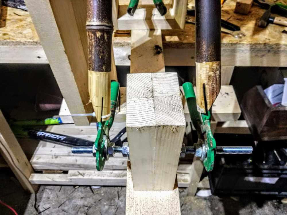 montaż bambusowych tyczek haki 1